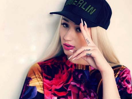 ایگی آزالیا / خواننده هیپ هاپ
