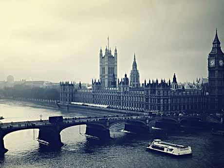 دانلود والپیپر رودخانه کنار ساعت بیگ بن لندن