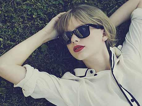 والپیپر خواننده محبوب زن تیلور سوئیفت | Taylor Swift