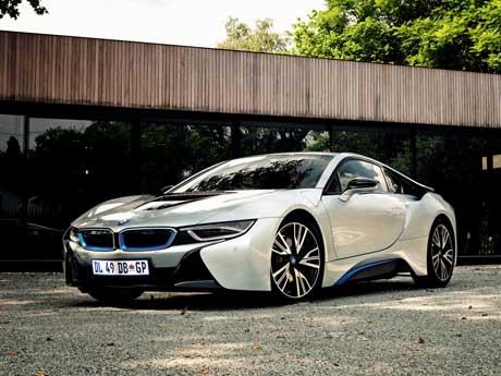 خودروی اسپورت هیبریدی بیامو – BMW i8