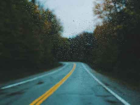 والپیپر جاده بارانی