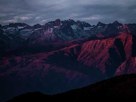 والپیپر کوهستان زیبا در غروب آفتاب
